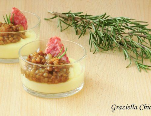 Bicchierini di Capodanno con purè di patate, lenticchie e cotechino