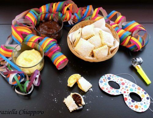 Ravioli dolci al forno ripieni di crema | Ricetta di Carnevale