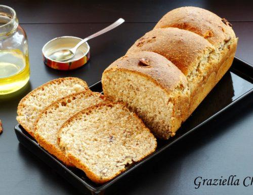Pan bauletto integrale con miele e noci | Ricetta