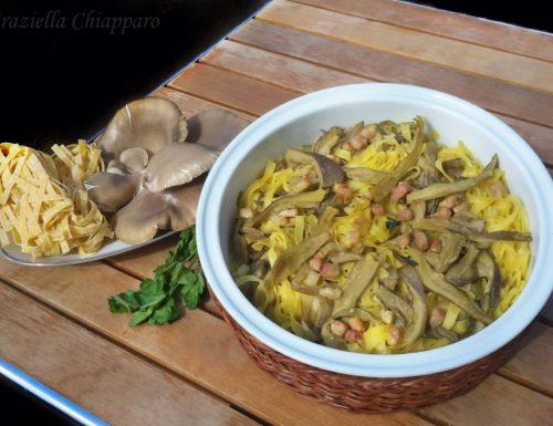 Pasta al forno con funghi, pancetta e curcuma | Ricetta