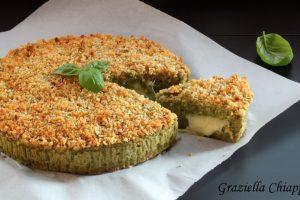 Torta di pane raffermo, lattuga e fontina | Ricetta riciclo