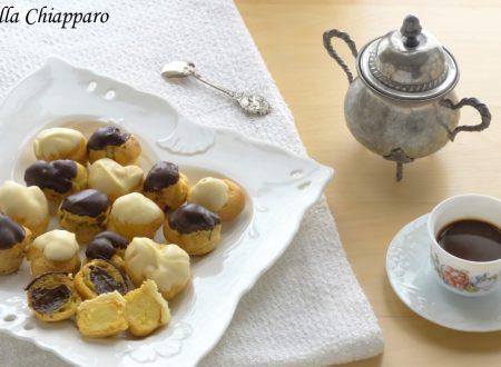 Bignè con crema al doppio cioccolato | Ricetta