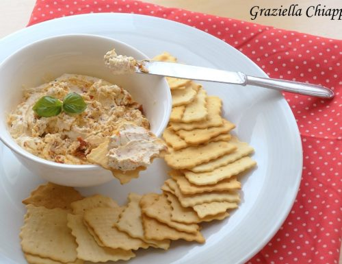 Formaggio spalmabile fatto in casa con pomodori secchi | Ricetta facile