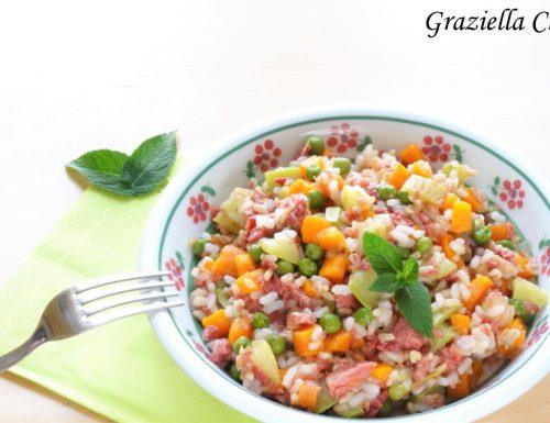 Mix di cereali con verdure e carne in scatola | Ricetta