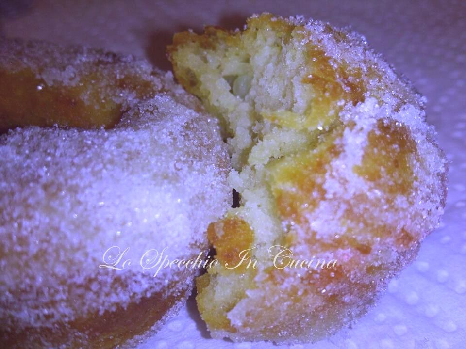 tortelli di carnevale napoletani ricetta dolci fritti lo specchio in cucina