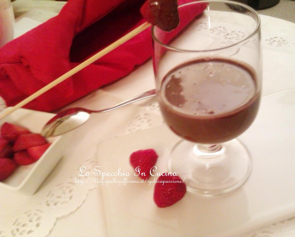 crema fredda al cioccolato dolci dolci al cucchiaio ricette dolci fragole lo specchio in cucina