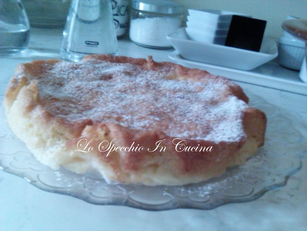 Torta di mele soffice ricetta dolci dolci al cucchiaio lo specchio in cucina