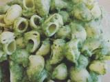 Lumachine con crema di spinaci e chiodi di garofano