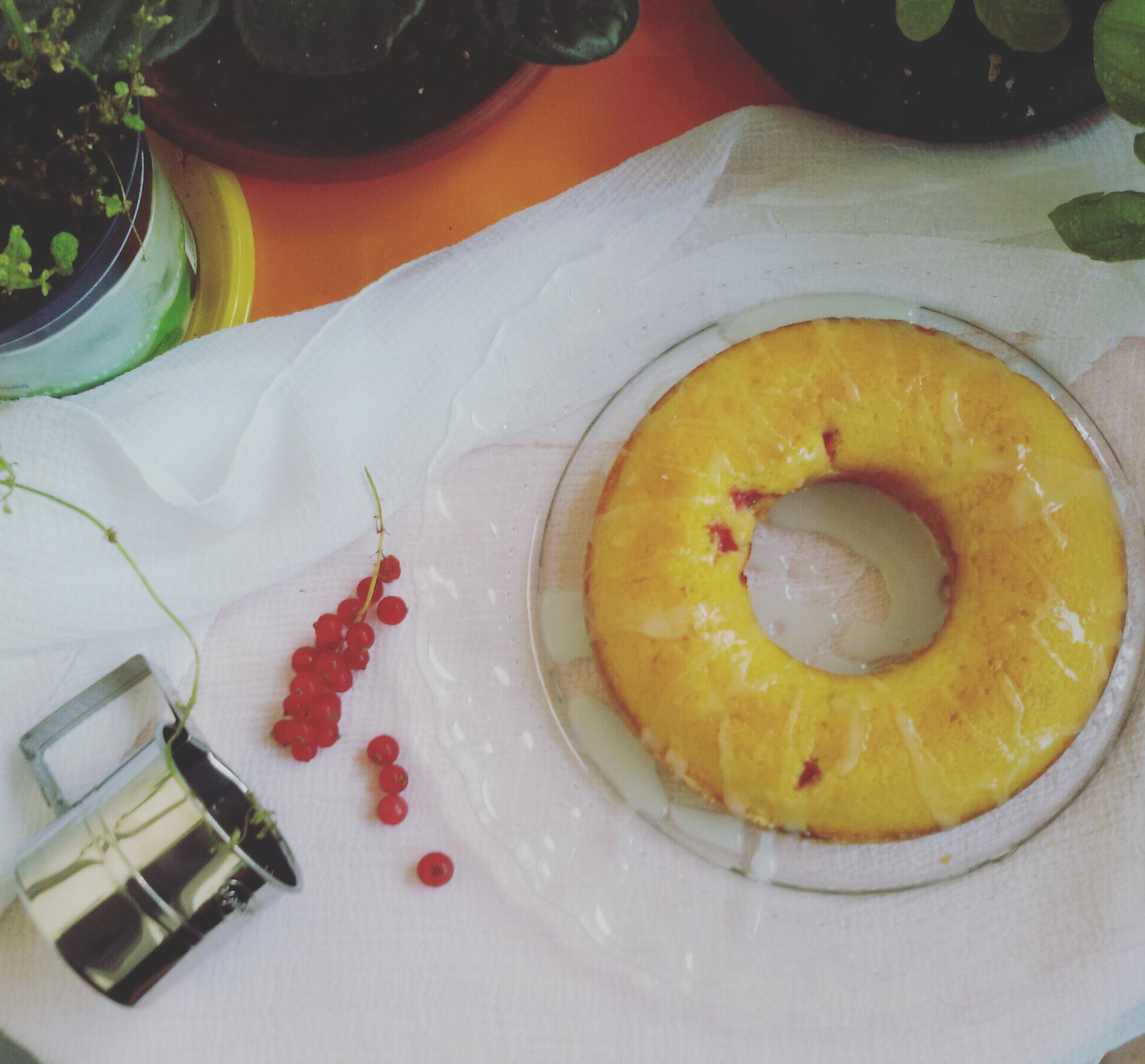 Ciambellone al ribes ,glassato, ricetta dolci , ricetta con yogurt