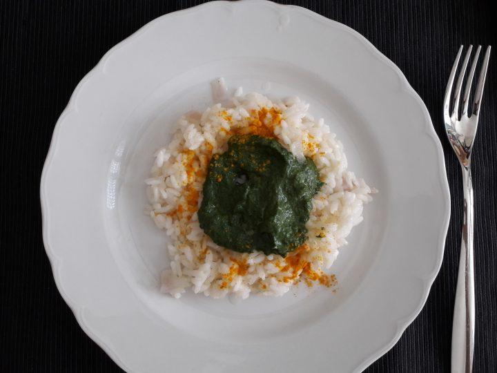 risotto profumato alla curcuma con crema di spinaci e philadelphia