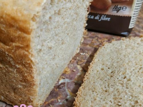 Pane integrale con macchina del pane