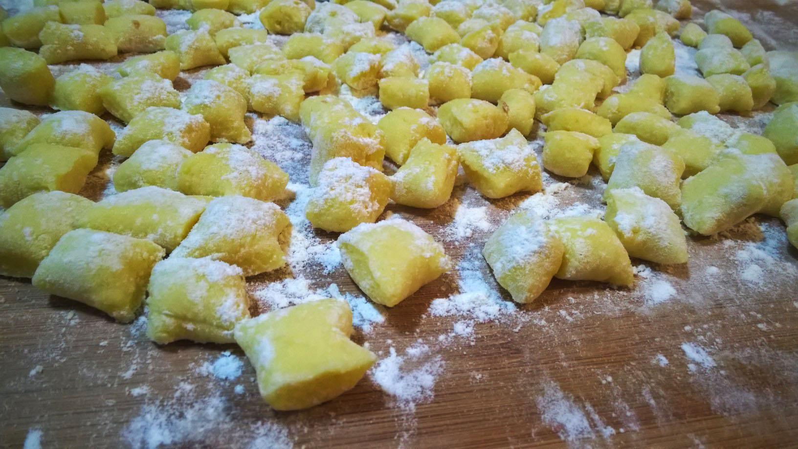 Gnocchi di patate fatti in casa golosi peccati - Faretti in casa ...