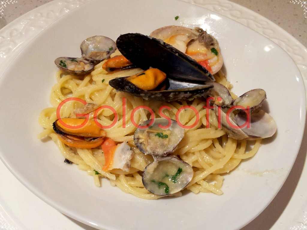 Spaghetti alle cozze, vongole e fasolari, ricetta semplice deliziosa!