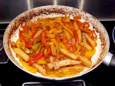 Padellata di patate e peperoni all'origano-ricetta contorni-golosofia