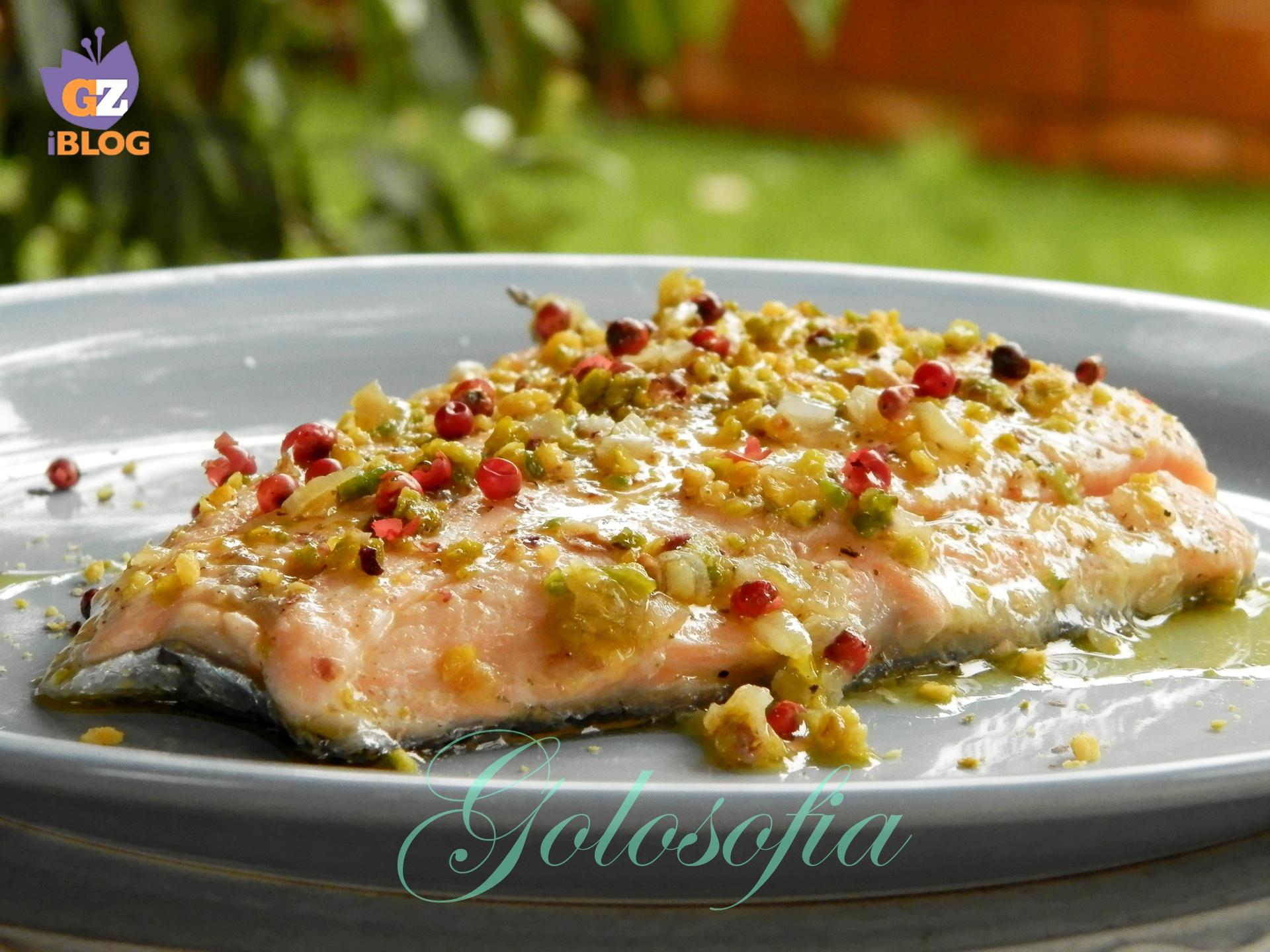 Filetto di salmone al pistacchio e pepe rosa ricetta for Salmone ricette