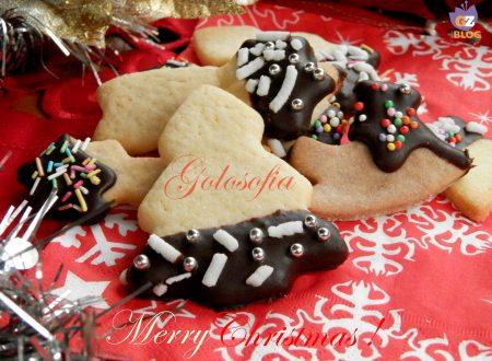 Biscotti di Natale glassati al cioccolato, ricetta dolci