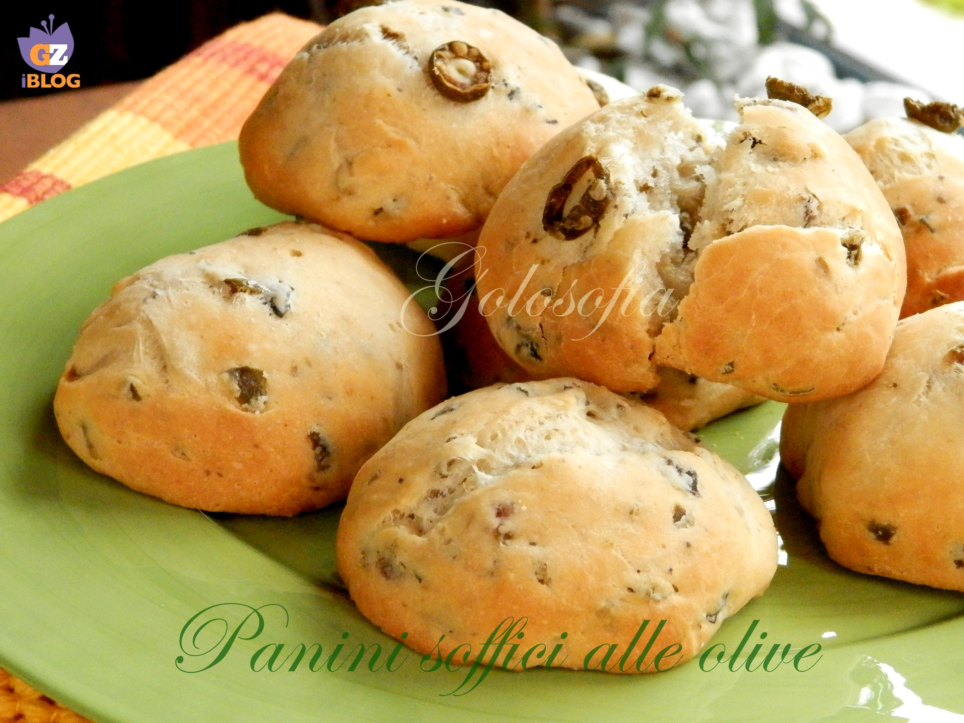 Panini soffici alle olive-ricetta pane e lievitati-golosofia