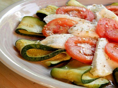 Caprese alle zucchine, ricetta leggera