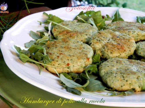 Hamburger di pollo alla rucola, ricetta gustosa veloce