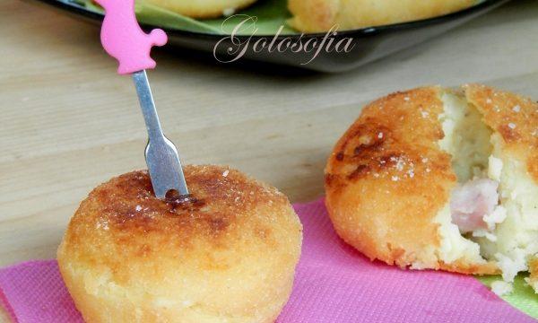 Crocchette di patate con scamorza e prosciutto, ricetta golosa