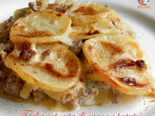 Teglia saporita di carne e patate, ricetta buonissima