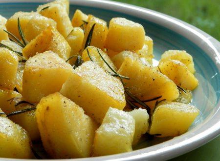 Patate al rosmarino, ricetta veloce in padella