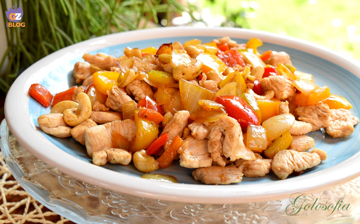 pollo con peperoni e anacardi-ricetta secondi-golosofia