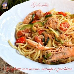 Spaghetti con tonno, scampi e zucchine-ricetta primi-golosofia