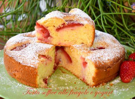 Torta soffice alle fragole e yogurt, ricetta buonissima