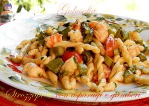 Strozzapreti con asparagi e gambhttps://blog.giallozafferano.it/golosofia/strozzapreti-con asparagi e gamberi-ricetta primi-golosof