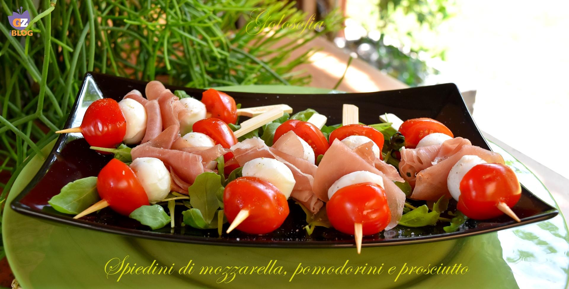 Spiedini di mozzarella, pomodorini e prosciutto-ricetta estiva-golosofia
