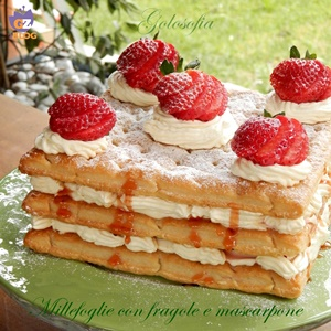 Millefoglie con fragole e mascarpone-ricetta dolci-golosofia