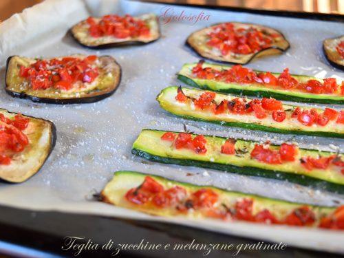 Teglia di zucchine e melanzane gratinate, ricetta leggera gustosa