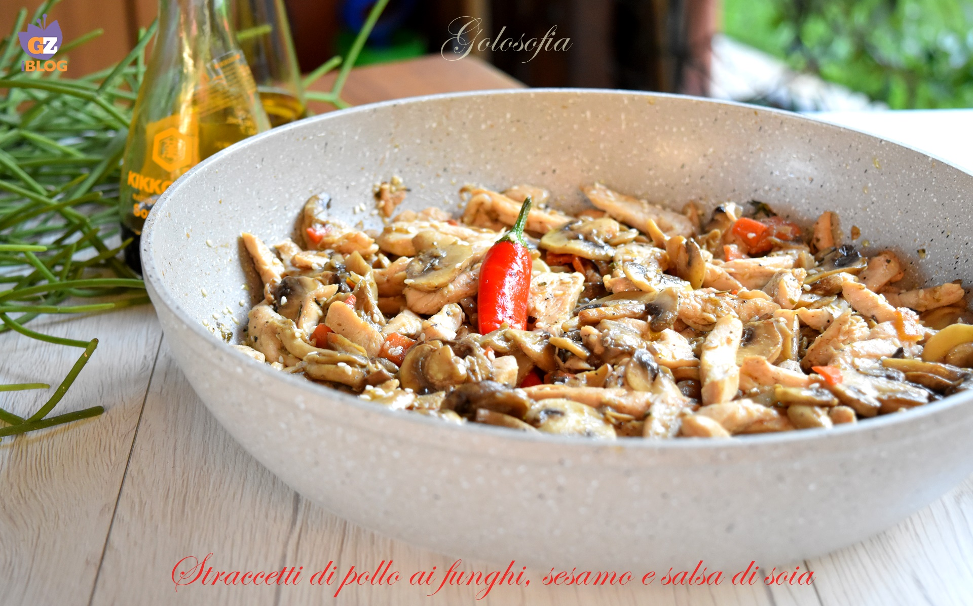 Straccetti di pollo ai funghi, sesamo e salsa di soia-ricetta secondi-golosofia