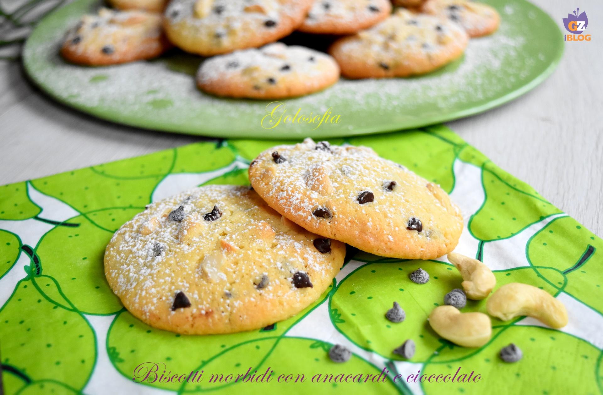 Biscotti morbidi con anacardi e cioccolato-ricetta biscotti-golosofia