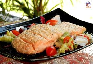 Filetto di salmone al sesamo-ricetta secondi-golosofia