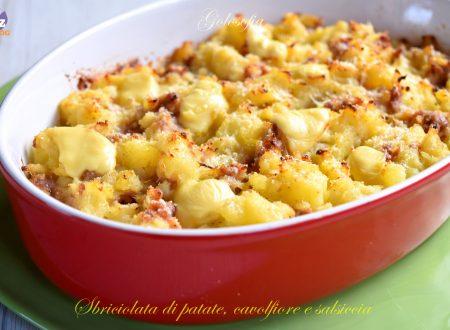 Sbriciolata di patate, cavolfiore e salsiccia, ricetta fantastica!