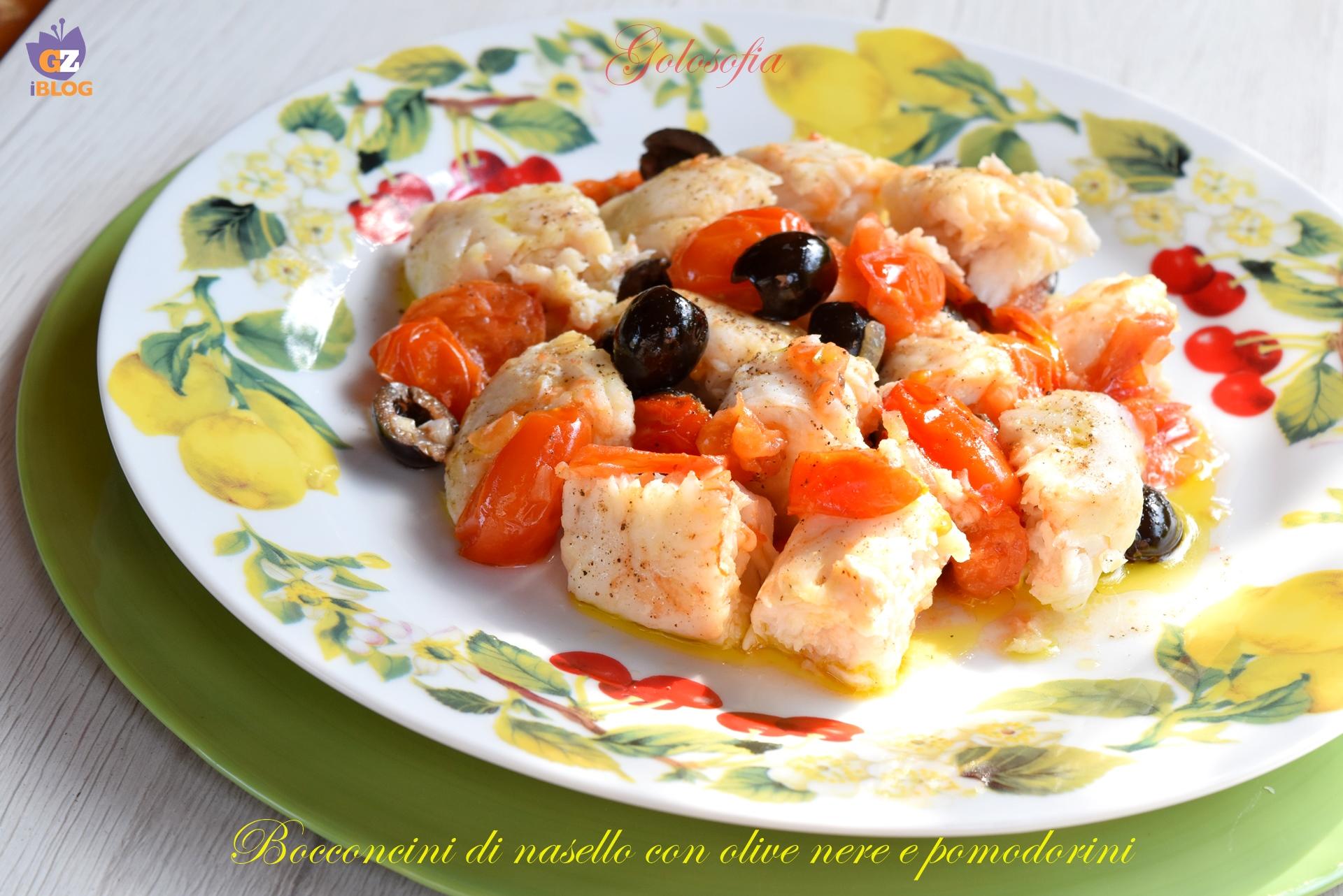 Bocconcini di nasello con olive nere e pomodorini-ricetta secondi-golosofia