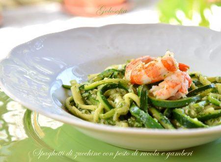 Spaghetti di zucchine con pesto di rucola e gamberi, ricetta buonissima!