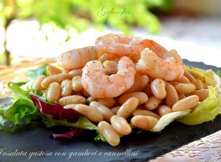 Insalata gustosa con gamberi e cannellini, ricetta fresca e veloce