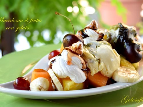 Macedonia di frutta con gelato, ricetta fresca e golosa
