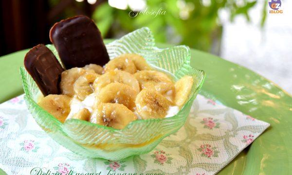 Delizia di yogurt, banane e cocco, ricetta dessert veloce e golosa