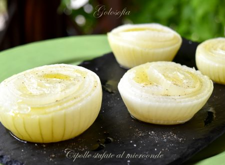 Cipolle stufate al microonde, ricetta veloce senza aggiunta di grassi