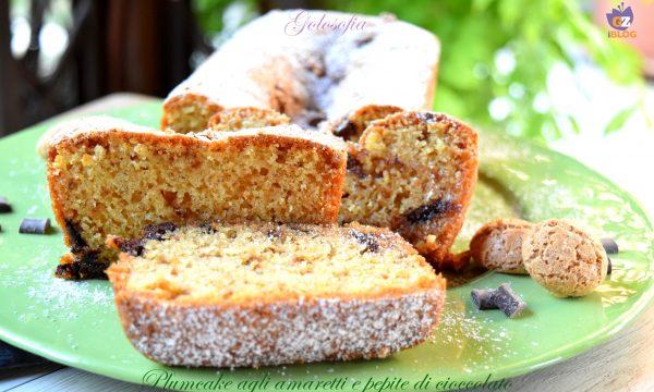 Plumcake agli amaretti e pepite di cioccolato, ricetta soffice buonissima