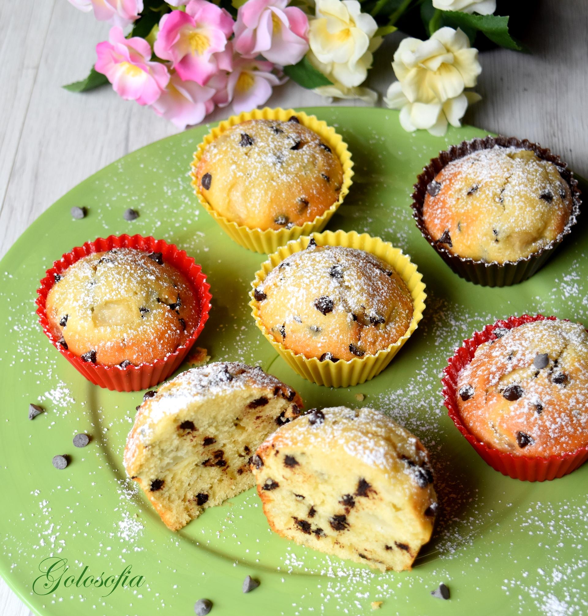Muffin allo yogurt con pere e gocce di cioccolato-ricetta dolci-golosofia