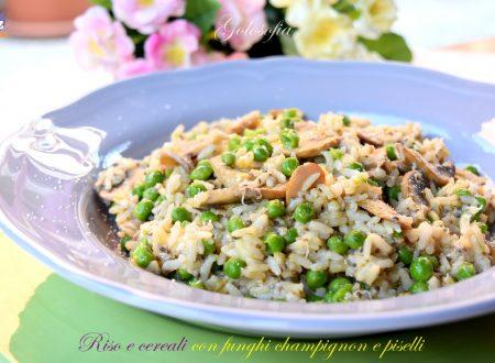 Riso e cereali con funghi champignon e piselli, ricetta gustosa
