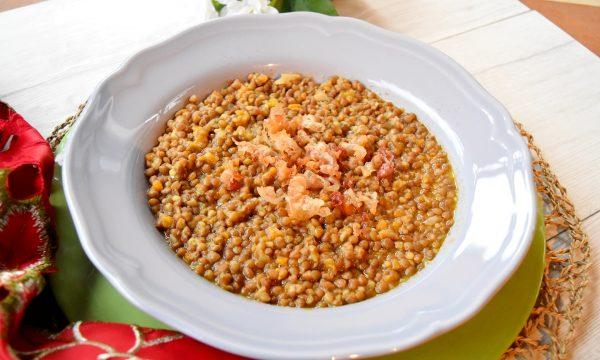 Zuppa di lenticchie con pancetta croccante, ricetta squisita e veloce