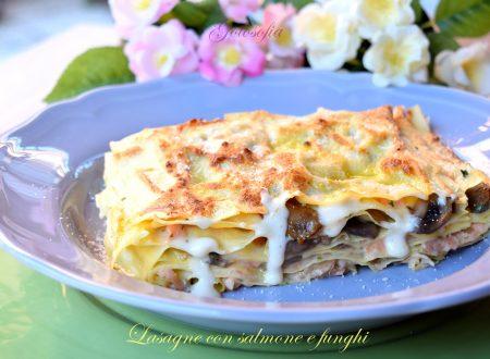 Lasagne con salmone e funghi, ricetta ricca e cremosa