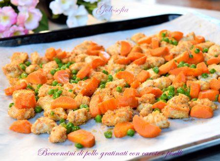 Bocconcini di pollo gratinati con carote e piselli, ricetta leggera gustosa