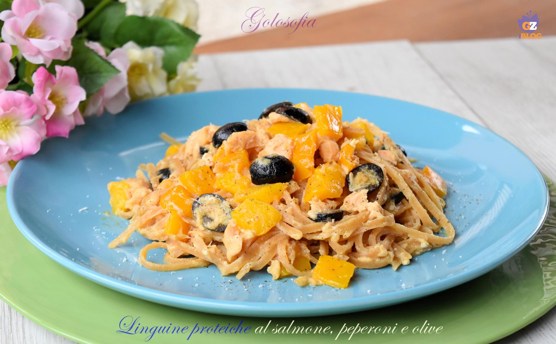 Linguine Proteiche al Salmone, Peperoni e Olive, Ricetta Low-carb